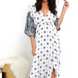 Lulus Blue Ivory Print Maxi Dress - M